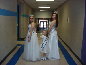 Taylor,  Gracie and Ashley